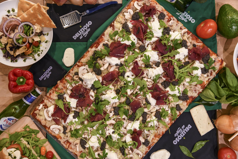 Pizza pastrami de boeuf légumes fromage